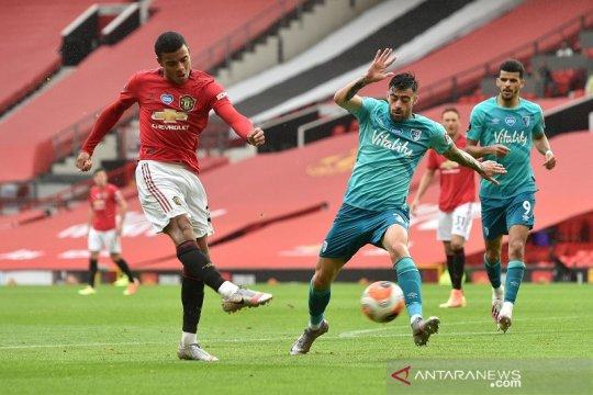 MU rebut empat besar setelah bantai Bournemouth di Old Trafford