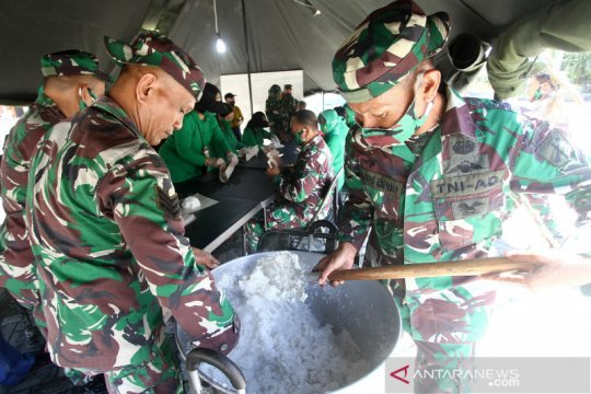 TNI dirikan dapur umum bantu korban banjir Gorontalo