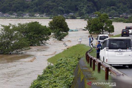 Jepang evakuasi ribuan orang setelah hujan lebat di Kyushu