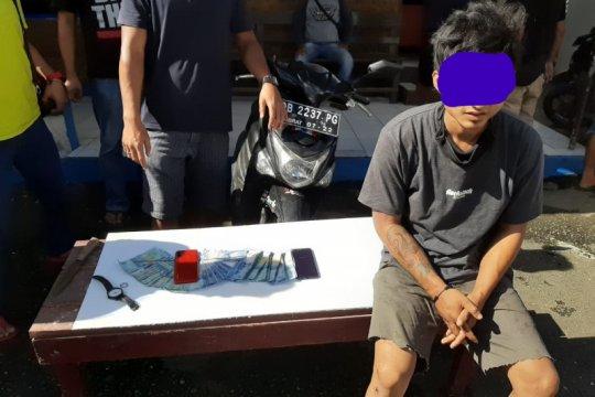 Polisi tangkap tersangka pencurian dengan kekerasandi Kotamobago Sulut