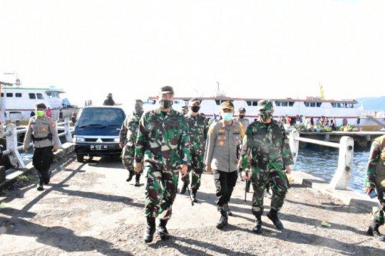 Korem 152/Babullah patroli disiplinkan warga COVID-19