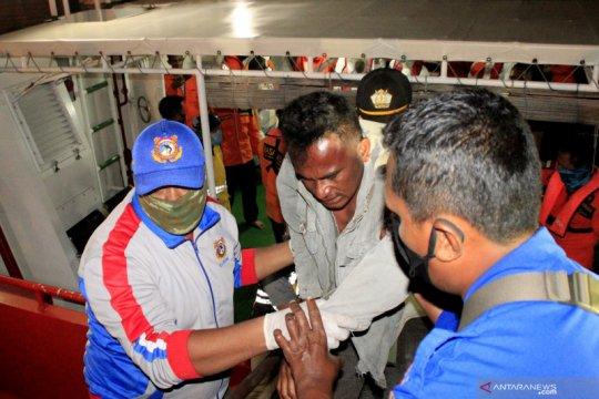 Belasan orang berhasil selamat dari musibah kapal tenggelam di Kupang