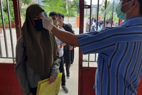Seorang peserta UTBK di Unhas gagal ujian karena suhu tubuh tinggi