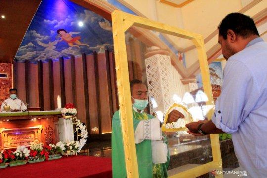 Ibadah di gereja dengan protokol kesehatan