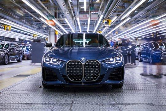 BMW Seri 4 Coupe mulai diproduksi, Seri 5 hybrid baru hadir November