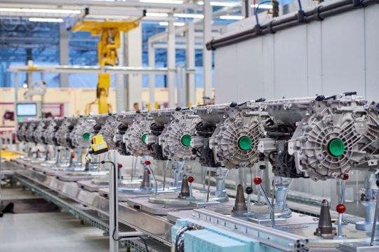 Kejar target 500.000 mobil listrik, BMW tingkatkan kapasitas pabrik