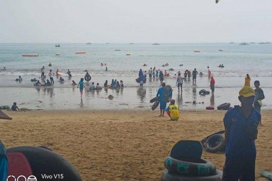 Pengelola wisata Pantai Carita terapkan protokol kesehatan