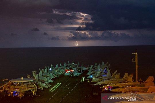 Kapal induk AS gelar latihan di Laut China Selatan di depan mata China