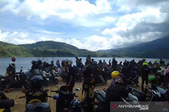 Menikmati eksotisme Danau Talang pada normal baru