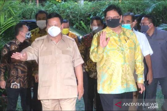 Ketum Golkar sambangi kediaman Prabowo Subianto pukul 5 sore