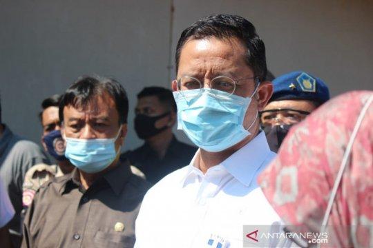 Mensos tunaikan janji Presiden bantu korban bencana di Sukajaya Bogor