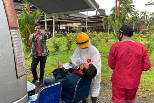 Lima orang positif COVID-19 dari hasil razia penggunaan masker