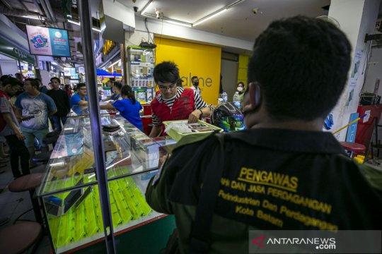 """Razia handphone """"black market"""" alias ilegal di Batam"""