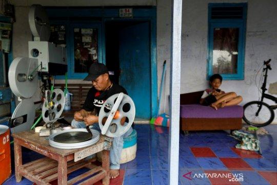 Pandemi COVID-19 guncang industri film Indonesia, sebut produser