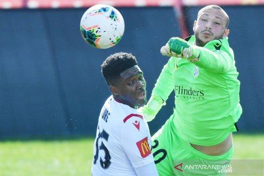 Kiper Adelaide United pilih berkarir sebagai petarung