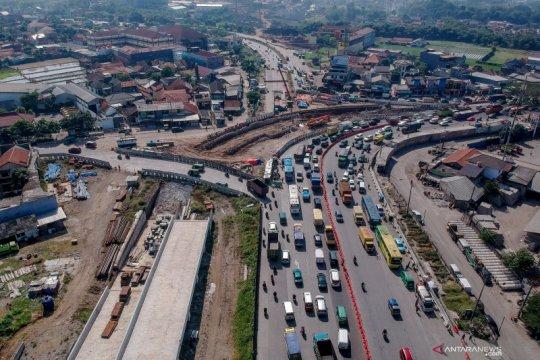 Percepat akses Kertajati, Jokowi tagih penyelesaian tol Cisumdawu