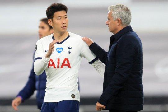 Mourinho malah senang Lloris cekcok dengan Son Heung-min