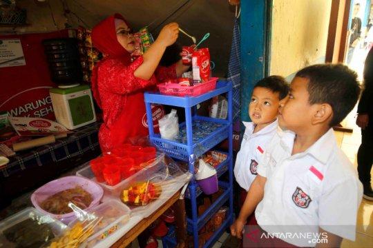 Foodbank - Danone bantu pengelola kantin sekolah
