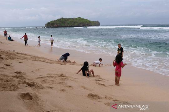 Pantai Selatan Gunungkidul mulai dikunjungi wisatawan