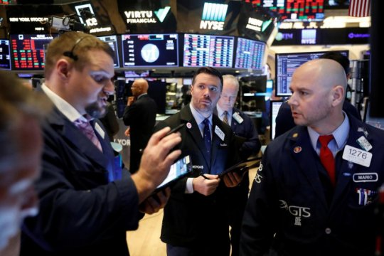 Wall Street dibuka melambung, Indeks Dow Jones naik di atas 380 poin