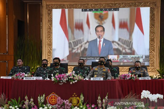 Presiden Jokowi minta perwira remaja TNI dan Polri kuasai teknologi