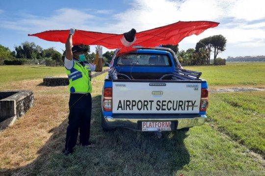 Ancam keselamatan, warga dilarang main layang-layang di zona bandara