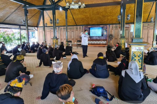 75 pemandu wisata di Banyuwangi ikuti uji kompetensi normal baru
