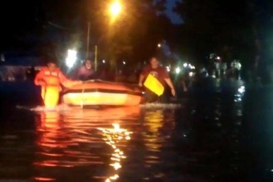 Sejumlah lokasi di Kota Padang banjir akibat hujan deras