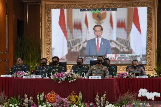 Presiden Jokowi lantik perwira TNI-Polri 2020 di Istana Negara