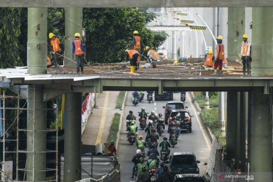 Progres pembangunan skybridge halte CSW-MRT ASEAN