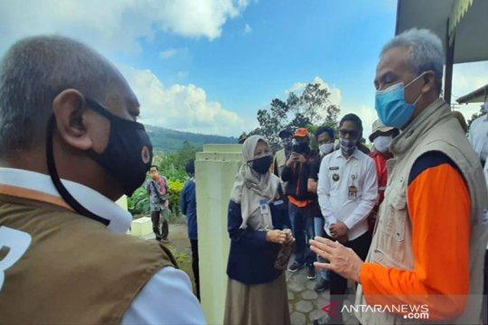 Gubernur Jateng minta masyarakat sekitar Merapi bekerja seperti biasa