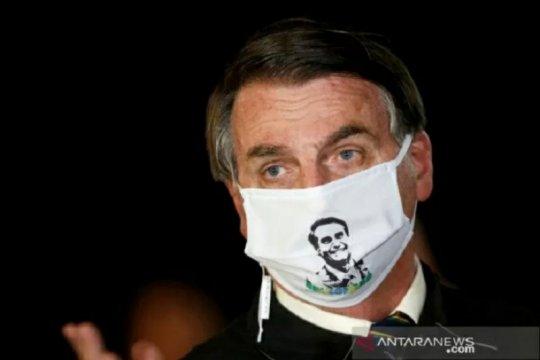 Wartawan TV Brazil dikarantina setelah wawancarai Bolsonaro