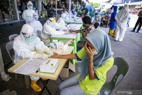 Pulang dari Surabaya, tenaga kesehatan RSUD Kepri positif COVID-19