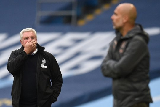 Steve Bruce tak mau cari alasan untuk ambruknya Newcastle 0-5