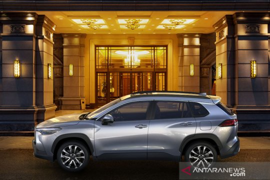 Harga dan spesifikasi Toyota Corolla Cross SUV