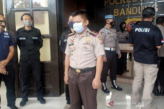 Polrestabes Bandung tangkap polisi gadungan berpangkat Kombes