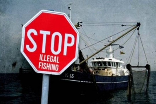 "Atasi ""ilegal fishing"" perkuat kelompok masyarakat pengawas perikanan"