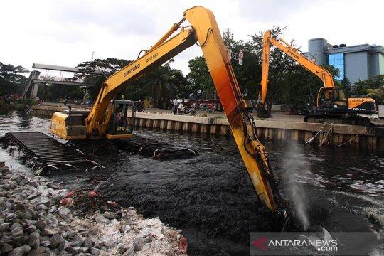 Pos Angke Hulu Siaga 3, warga bantaran sungai diminta waspada banjir