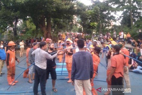 150 warga Rawamangun mengungsi akibat kebakaran