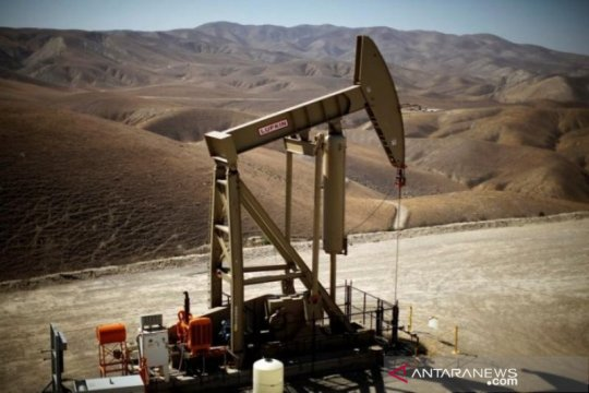 Harga minyak sedikit lebih rendah, abaikan penutupan Teluk Meksiko