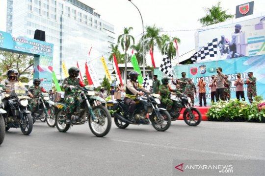 Panglima TNI semangati Babinsa dan driver ojek online salurkan bantuan