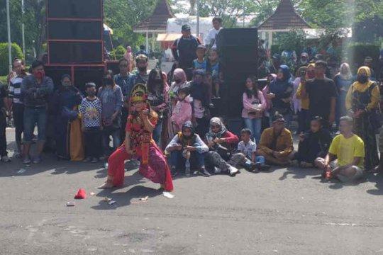Cirebon izinkan seniman kembali berkegiatan dengan syarat