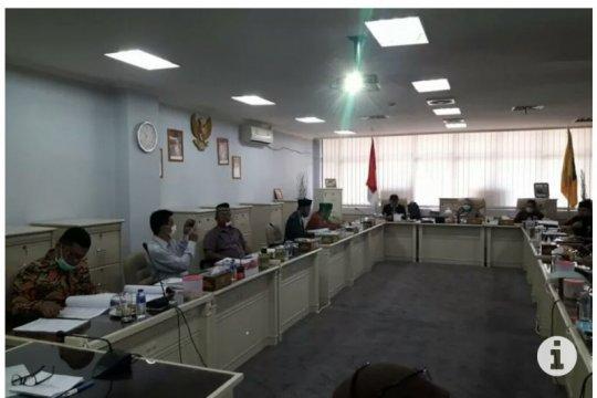 Komisi I DPRD Lampung minta Pelindo selesaikan tuntutan petani kerapu