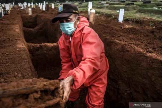 Penggali makam jenazah COVID-19 di Jakarta mulai tak bersemangat