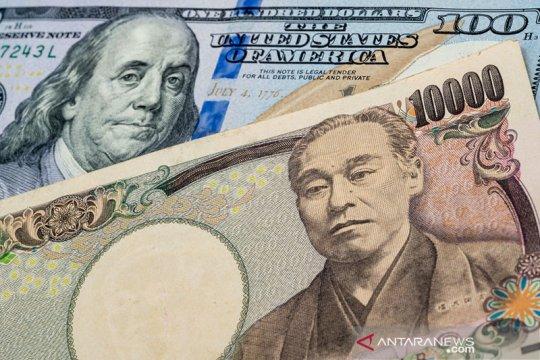 Dolar jatuh, yen dan franc menguat saat saham AS diterpa aksi jual