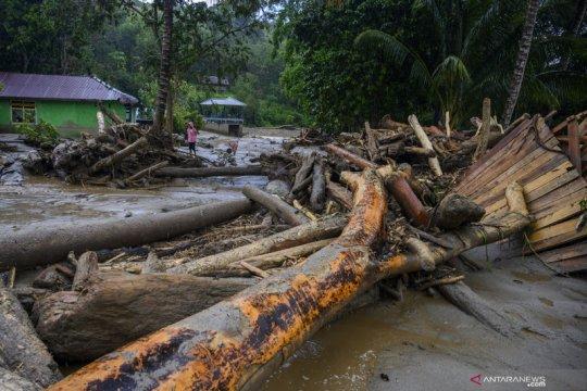 Banjir bandang terjang SIgi