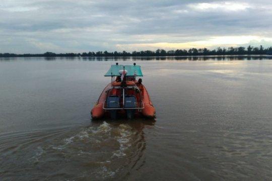 Tim SAR cari 16 ABK-penumpang KM alami kerusakan mesin