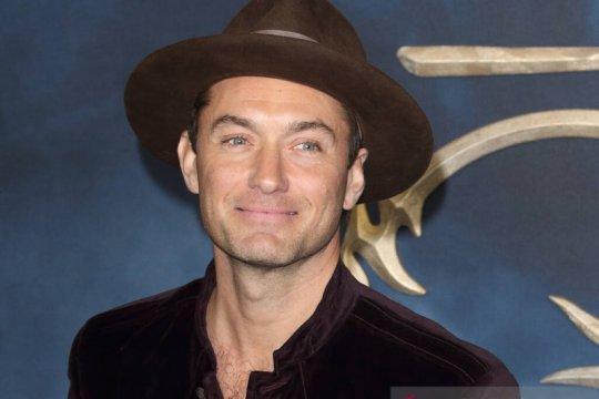 """Jude Law ikut berperan di film live-action """"Peter Pan"""""""