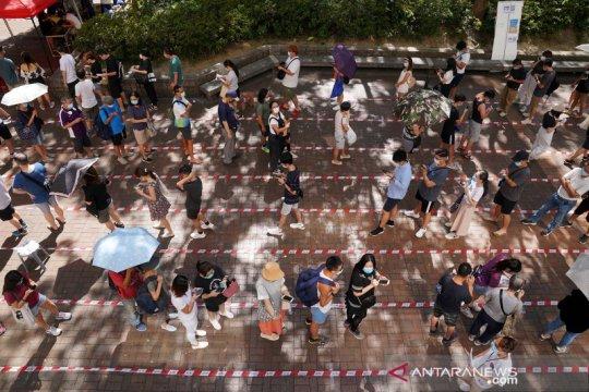 Warga Hong Kong berikan suaranya pada pemilihan primer di tengah pandemi COVID-19