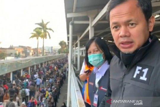 Pemerintah bantu 150 bus urai antrean penumpang KRL di Stasiun Bogor